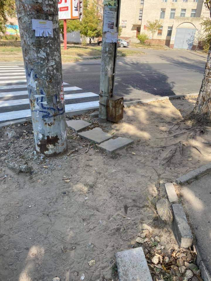 В Херсоне появился пешеходный переход «в никуда»